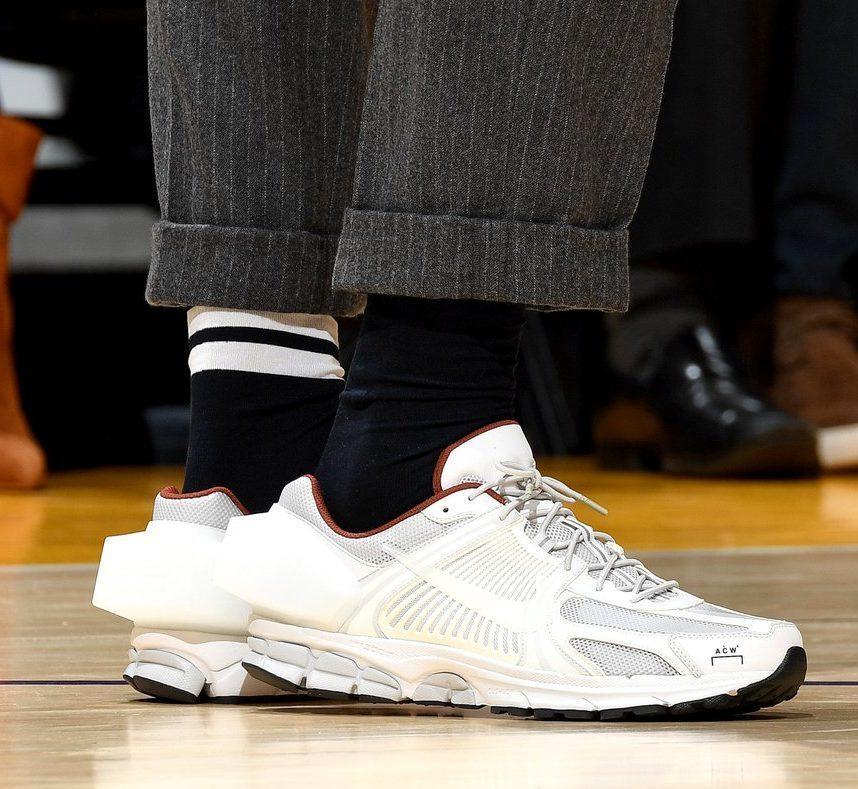 Беговые кроссовки