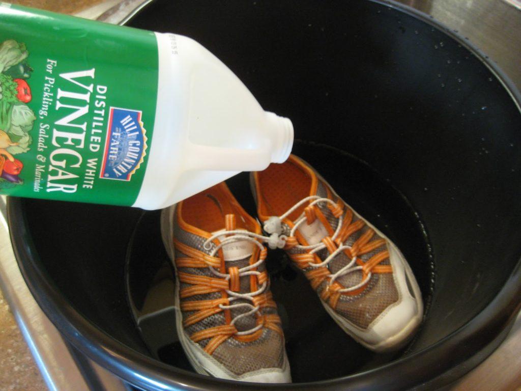 Уксусная кислота для расширения кроссовок