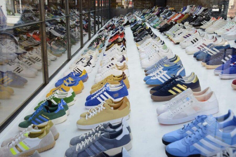 Как отличить оригинальные кроссовки Adidas от подделки?