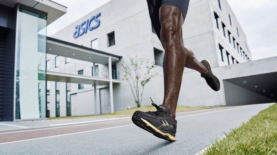 Как выбрать беговые кроссовки Асикс