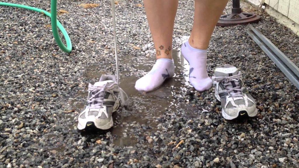 Как быстро высушить кроссовки