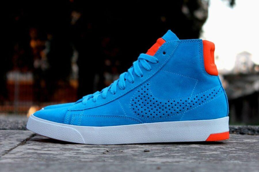 Голубые кроссовки с чем носить