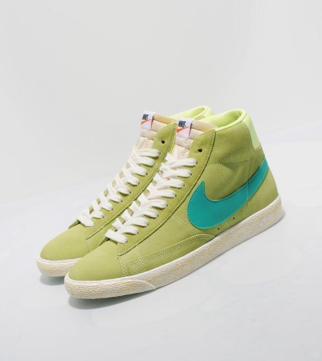 nike зеленые кроссовки