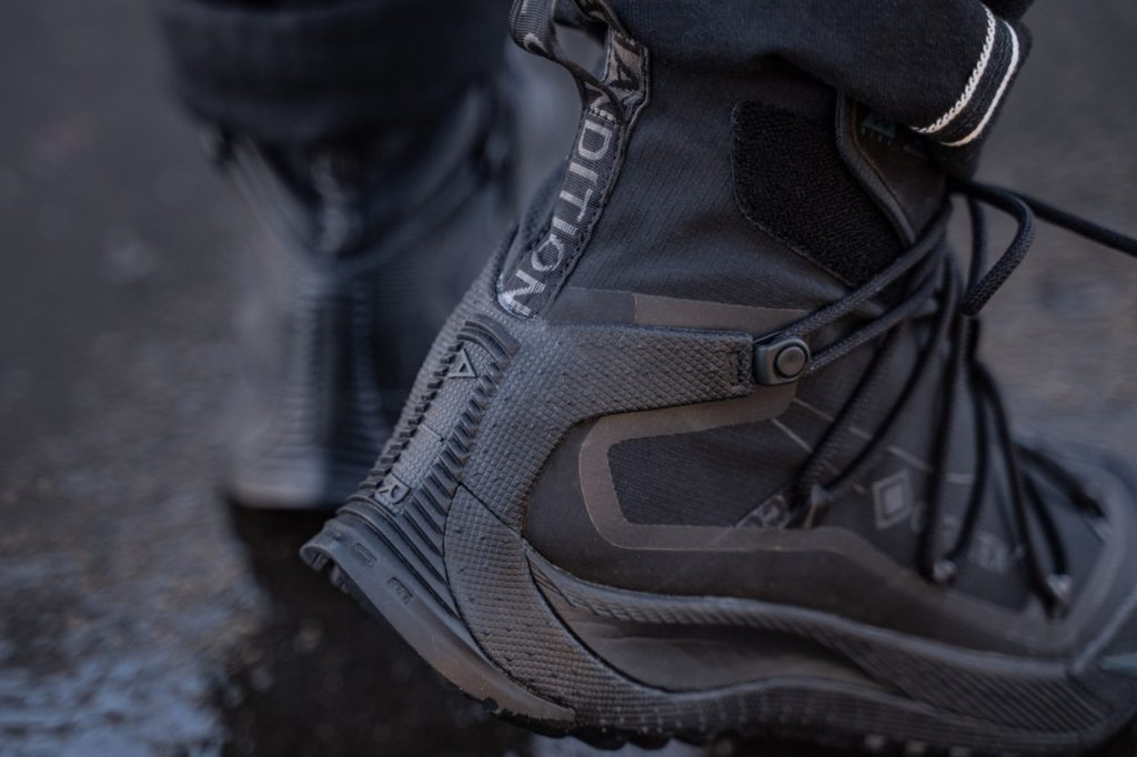 непромокаемые кроссовки Найк