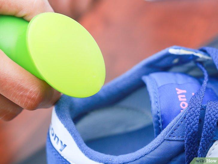Как убрать неприятный запах из обуви быстро