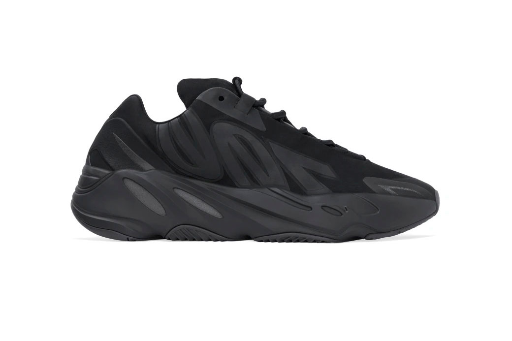 "YEEZY BOOST 700 MNVN ""Black"""