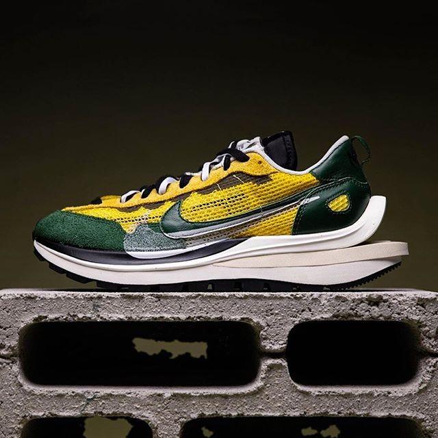 """Первый взгляд на Sacai & Nike VaporWaffle """"Tour Yellow"""""""