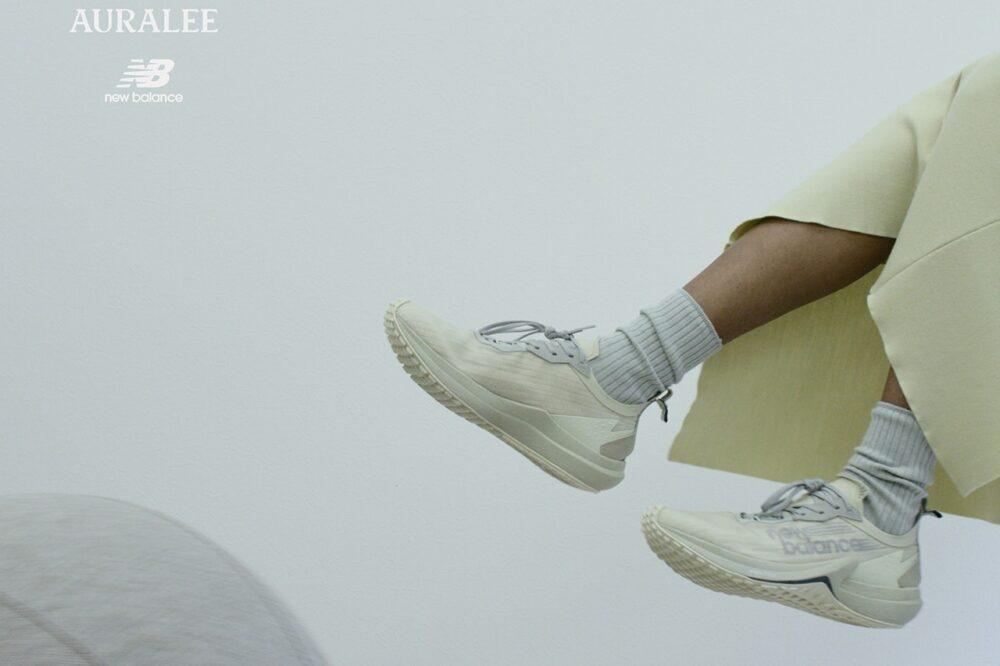AURALEE представляет минималистичные кроссовки New Balance FuelCell Speedrift в приглушенных цветах