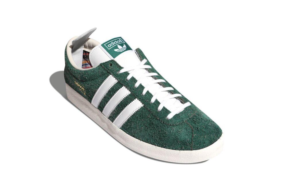 """Кроссовки Adidas Originals Gazelle Vintage """"Green / White"""" украшенные клетчатым принтом внутри, а снаружи пушистой зеленой замшей"""