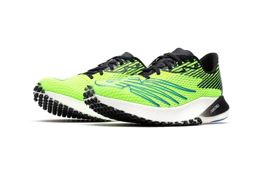 Самые современные кроссовки для бега New Balance FuelCell RC