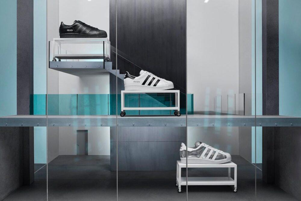 Почему кроссовки Prada & adidas Superstar стоят 500 долларов