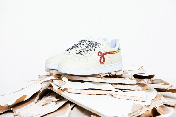 Новые кроссовки Джона Гейгера «GF-01» из мягкой шагреневой кожи