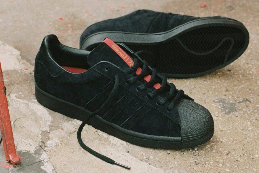 Thrasher и Adidas выпустят 2 пары кроссовок Superstar ADV и Tyshawn